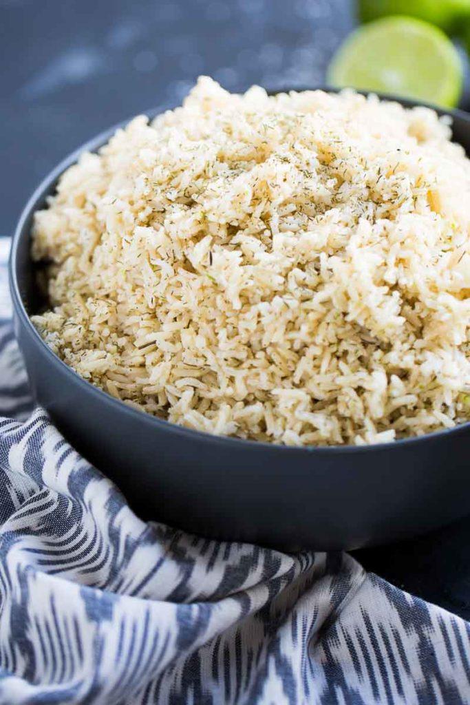 arroz integral, fuente de carbohidratos naturales y sin procesar
